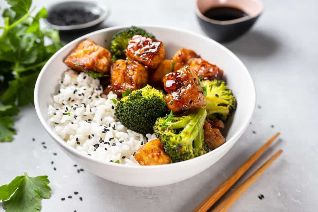 Asian,Vegan,Bowl,With,Rice,,Broccoli,And,Fried,Tofu ChickP