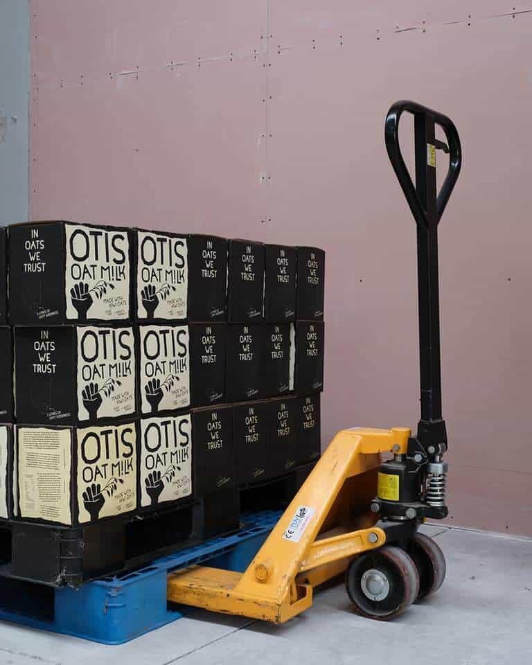 Otis Oat Milk